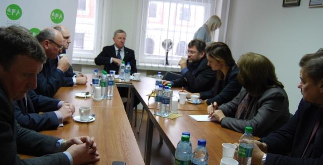 Šiaulių krašte išrinkti Seimo nariai susitiko su pramoninkais