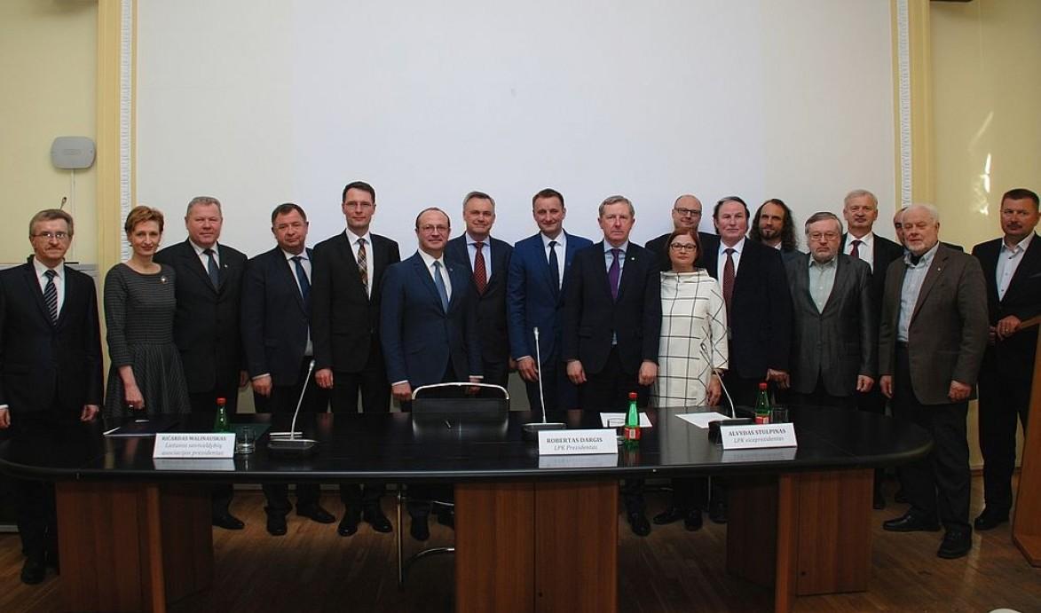 Verslas ir savivalda vienija jėgas atgaivinti Lietuvos regionus