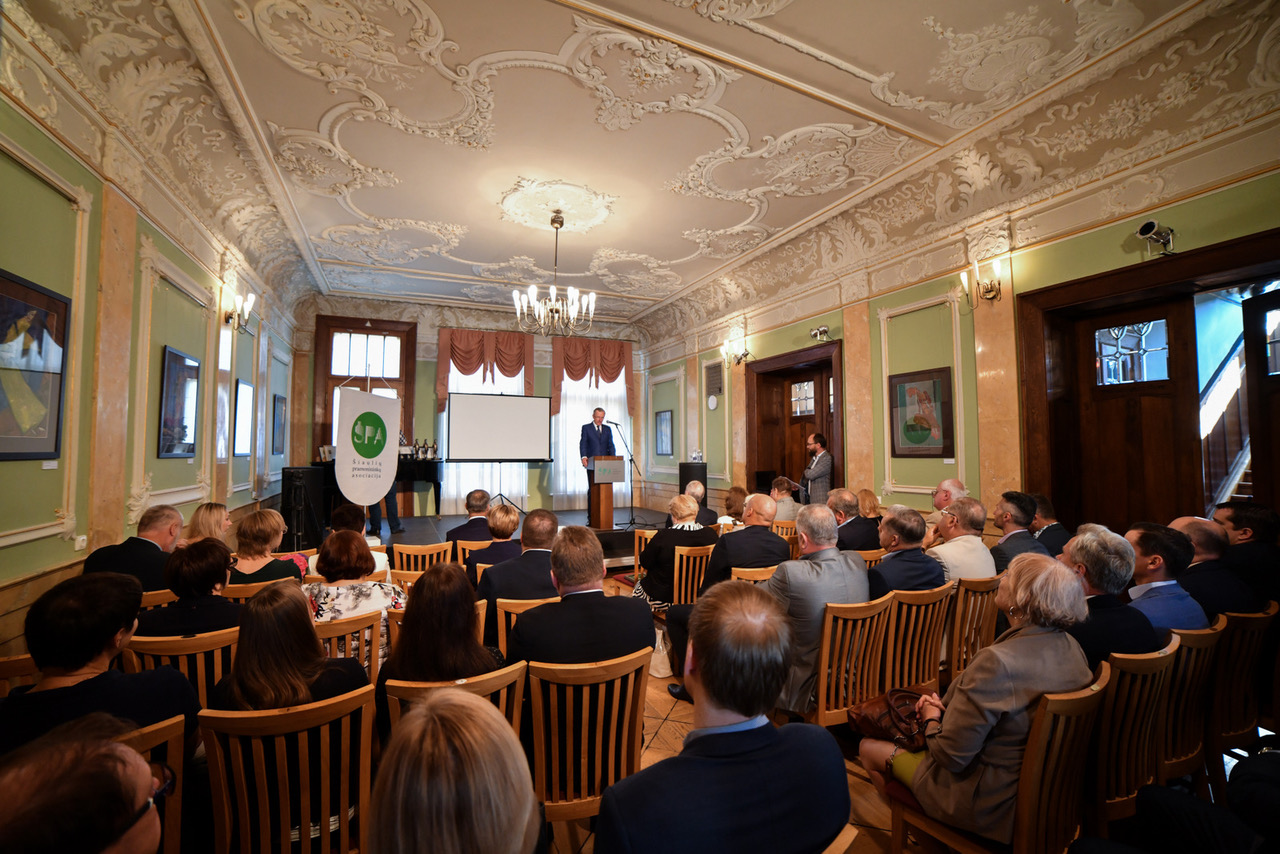Šiaulių pramonininkų asociacijos 30-mečiui dedikuotoje konferencijoje – padėkos kuriantiems ir dirbantiems
